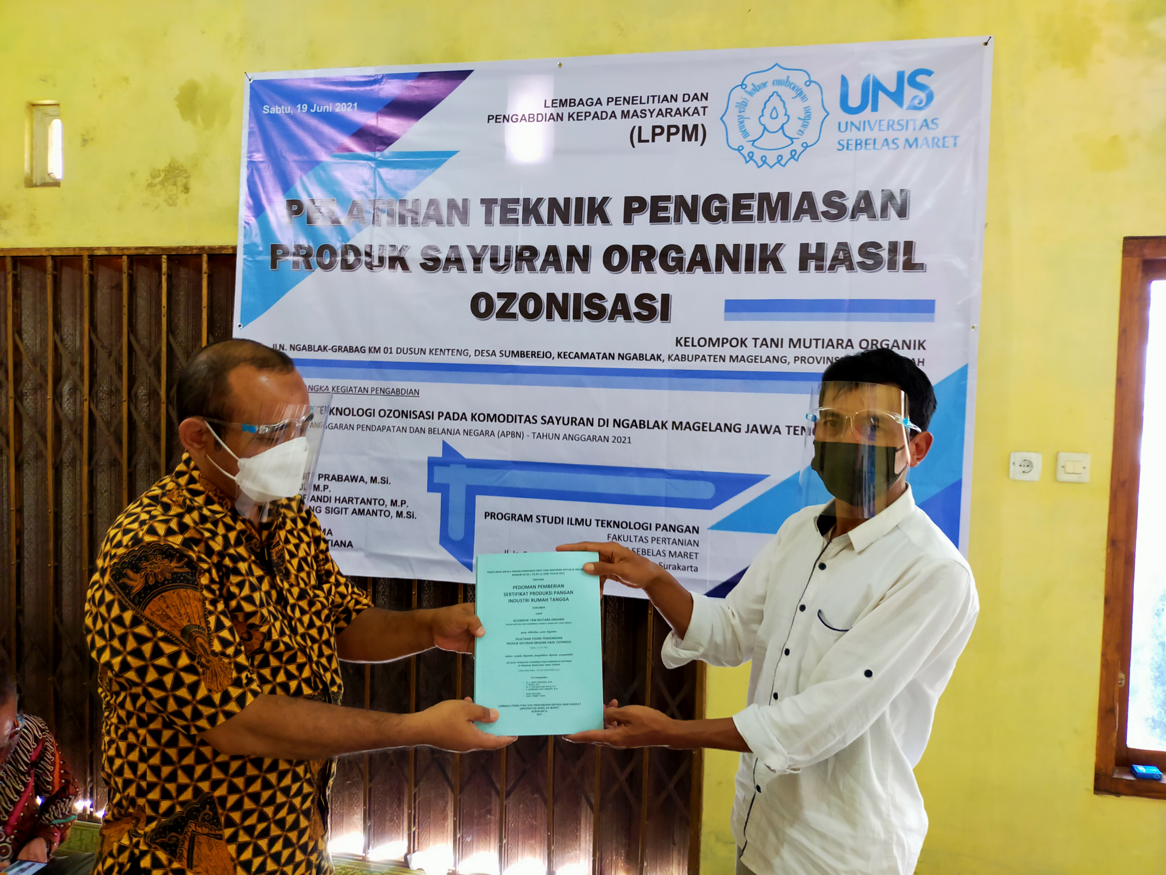 UNS Lecturer Develops Ozonization Technology with Vegetable Farmers in Magelang